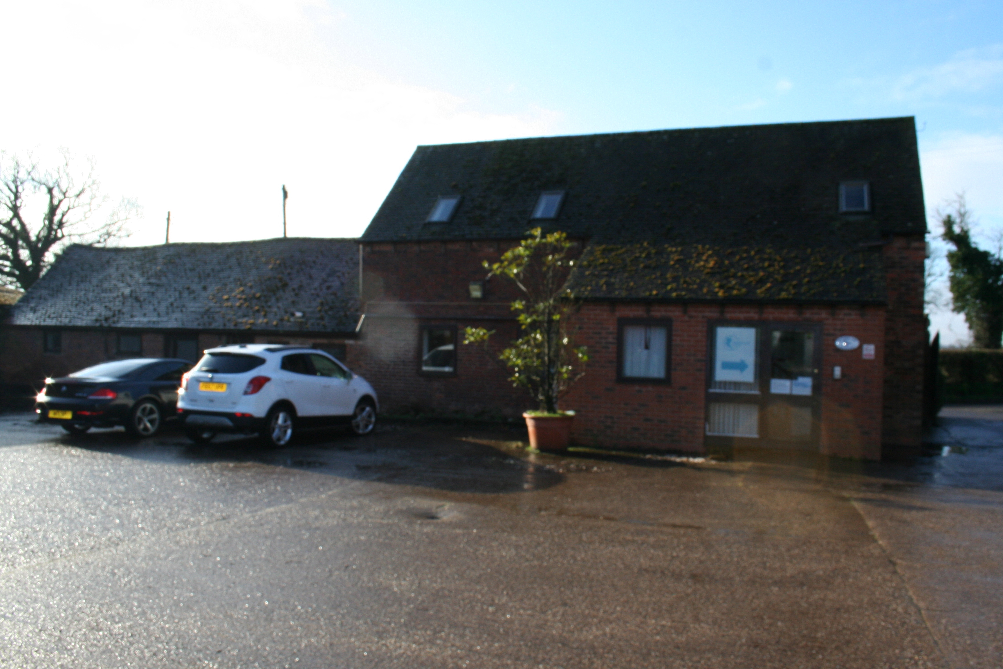 OFFICES TO LET – NEW INSTRUCTION – CAMP FARM BARN, CAMP FARM, KNOWLE HILL, HURLEY CV9 2JF